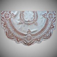 ca 1920 Torchon Bobbin Lace Linen Round Tablecloth Antique 48 Inches