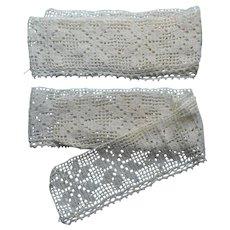 Pillow Case Trim Vintage Crocheted Lace Snowflake Motifs