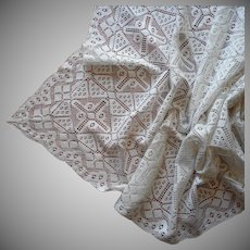 Lace Tablecloth Narrow Cotton Vintage 33.5 x 59 Inches