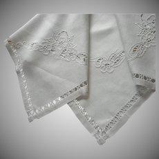 1920s Italian Tea Tablecloth Linen Cutwork Hand Embroidery