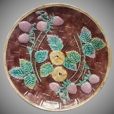 Etruscan Majolica Plate Antique Berries Quince Super Condition