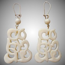 1970s Faux Carved Ivory Plastic Earrings Dangle Pierced Vintage