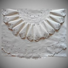 Oval Madeira Tablecloth 12 Napkins Set 1950s Vintage Hand Embroidered Cutwork