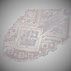 Knotted Lace Long Oval Centerpiece Doily Vintage Runner
