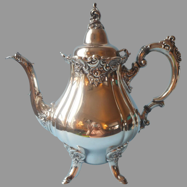 281 Vintage Silver Plated Teapot