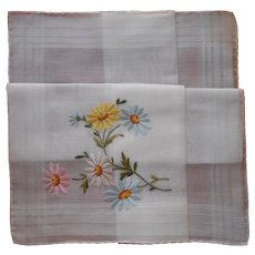 Unused Vintage Hankie Hand Embroidered Pastel Daisies Swiss