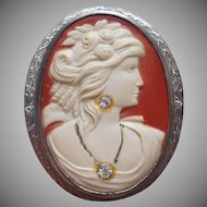 Vintage 1930s Plastic Cameo In Metal Frame Pin Needs TLC