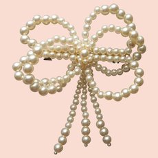 ca 1990 Big Barrette Faux Pearls Bow Vintage