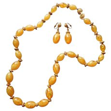 1960s Yellow Swirl Lucite Big Beads Necklace Earrings Set Vintage