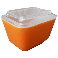 Pyrex 501 Orange Refrigerator Dish With Lid 1.5 Cup Very Good Paint