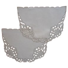 End Table Night Stand Doilies Madeira Cutwork Embroidery Linen Vintage