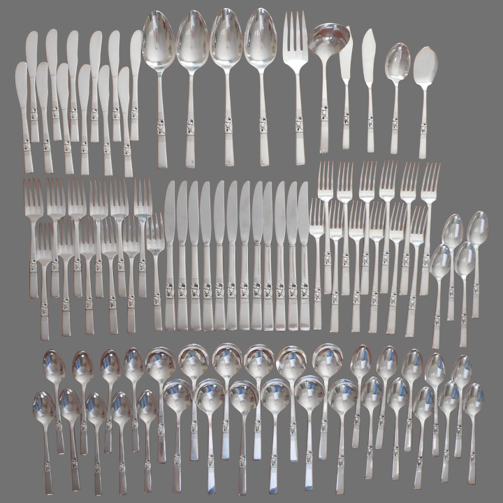 2 Serving Spoons Tablespoons Vintage Morning Star Silver Plate Oneida Community