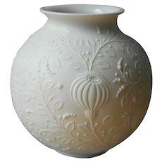 Manfred Frey Kaiser Bisque Vase 553 Vintage Mid Century Pure White