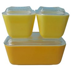 Pyrex Refrigerator Dishes Dish Set Yellow 501 502 Vintage Gold