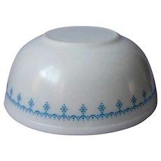 Pyrex 4 Qt 404 Bowl White w Blue Snowflake Garland Vintage Large Mixing