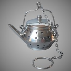 ca 1920 Sterling Silver Tea Infuser Vintage Teapot Shape Chain Ring