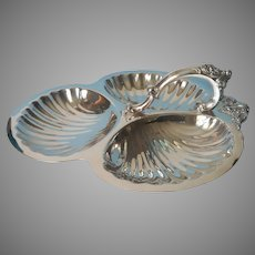 Wallace Baroque Vintage Silver Plated Tripartite Shell Large Nuts Serving Dish 220