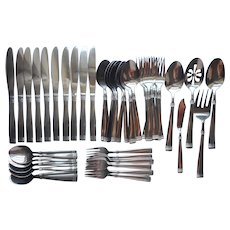 Pfaltzgraff Linear Stainless Steel Flatware 10 Place Settings Serving Pieces Extras