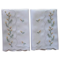 Guest Towels Yellow Green Hand Embroidery Vintage Linen Mid Century
