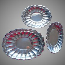 Reed And Barton Holiday Set Fluted Scalloped Bowls Bowl Vintage Serving Bread Tray