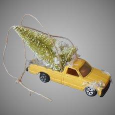 Christmas Tree Ornament Pickup Truck Brings Home Christmas Tree Vintage Die Cast Ertl