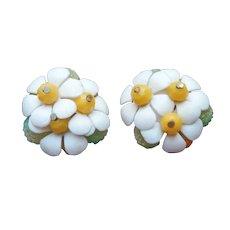 Daisies Vintage 1960s Plastic Cluster Earrings Vintage Sugared Lime Beads