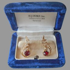 Red Rhinestone Earrings Vintage Screw Back Gold Tone
