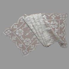 Net Lace Runner Vintage