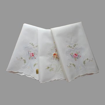 3 Guest Towels Vintage Unused Cotton Embroidered Organdy Inserts