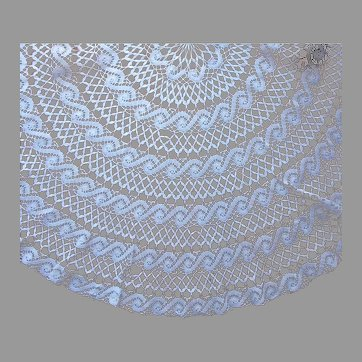 Round Lace Tablecloth Machined Bobbin Lace 62 Inches