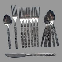 Northland Impulse Stainless Steel Flatware 16 Pieces Spoons Forks Knife Teaspoons