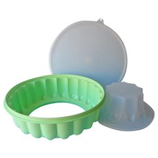 Classic Tupperware Jello Ice Ring Mold Keeper Vintage Gelatin Salad
