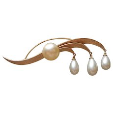 Crown Trifari Pin Dangling Faux Pearls Vintage Gold Tone