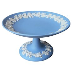 Wedgwood Jasperware Compote Pedestal Dish Blue Grape Leaf Vine