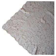 Cream Color Quaker Lace Tablecloth Vintage 86 x 66 TLC