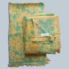 ca 1970 Springmaid Bath Towels Avocado Green Harvest Gold Vintage Pair