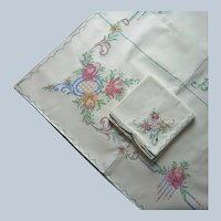 Hand Embroidered Tablecloth 8 Napkins Set Unused Vintage 86 x 68