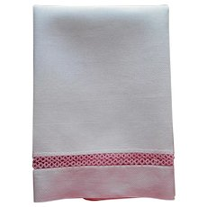 Pink Tatted Lace Insertion Linen Hand Towel Vintage Tatting