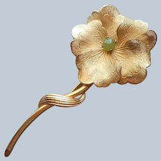 Jade Center Pansy Pin Vintage Gold Tone Flower