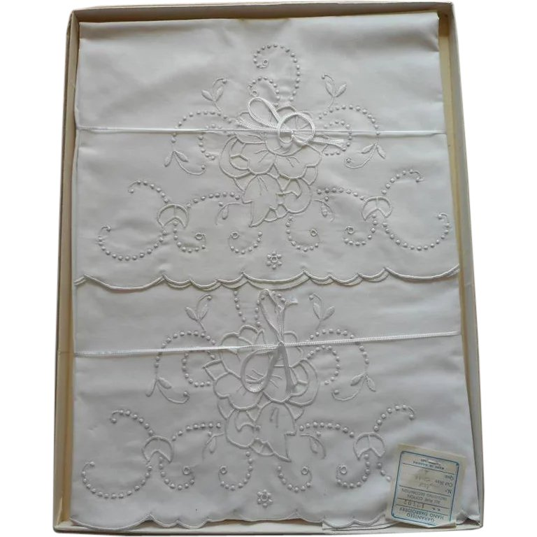 Madeira pillowcases unused vintage cutwork hand embroidery for Glass cut work designs