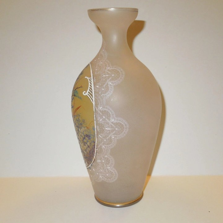 Delicate Victorian Hand Painted And Frosted Glass Vase Chippewa