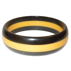 Vintage Black and Cream Striped Bakelite Bangle Bracelet