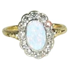 Stunning 14K Yellow Gold Opal and Diamond Ring Size 8