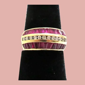 14K Yellow Gold Diamond and Ruby Ring Size 7