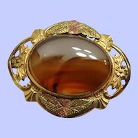Early 20th Century Tri Colored Gold Filled Agate Brooch