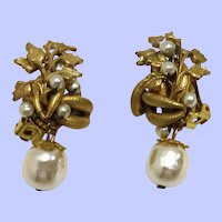Delicious, Vintage Miriam Haskell Faux Pearl Gilt Earrings