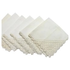 Set of 6 Vintage Napkins with Crochet Corner Decoration and Edging