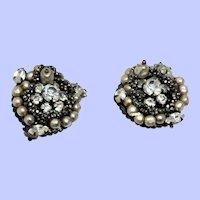 Vintage Pair of Originals By Robert Clip On Earrings