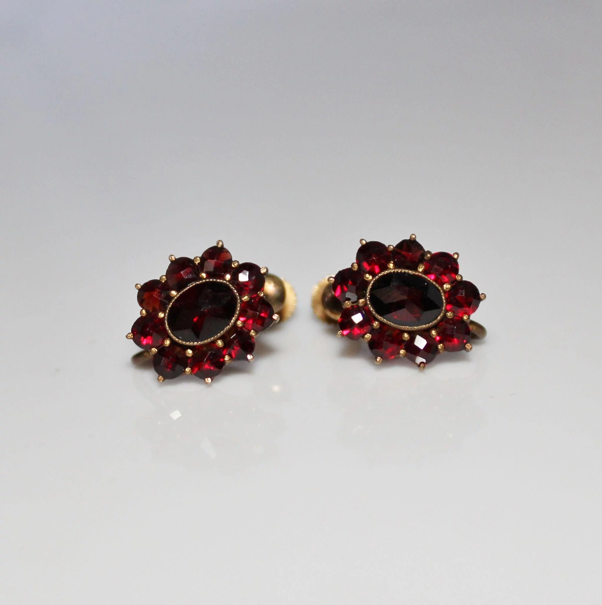 of sterling earrings grams the earring jewellery a jewelry approx each oval contemporary fine measures this very weighs silver garnet img in stud pair diamond is