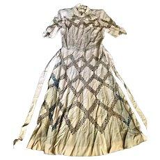 Vintage 1940s Ecru Nude Lace Feminine Dress